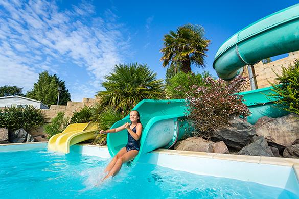 Toboggans du camping avec parc aquatique en Vendée